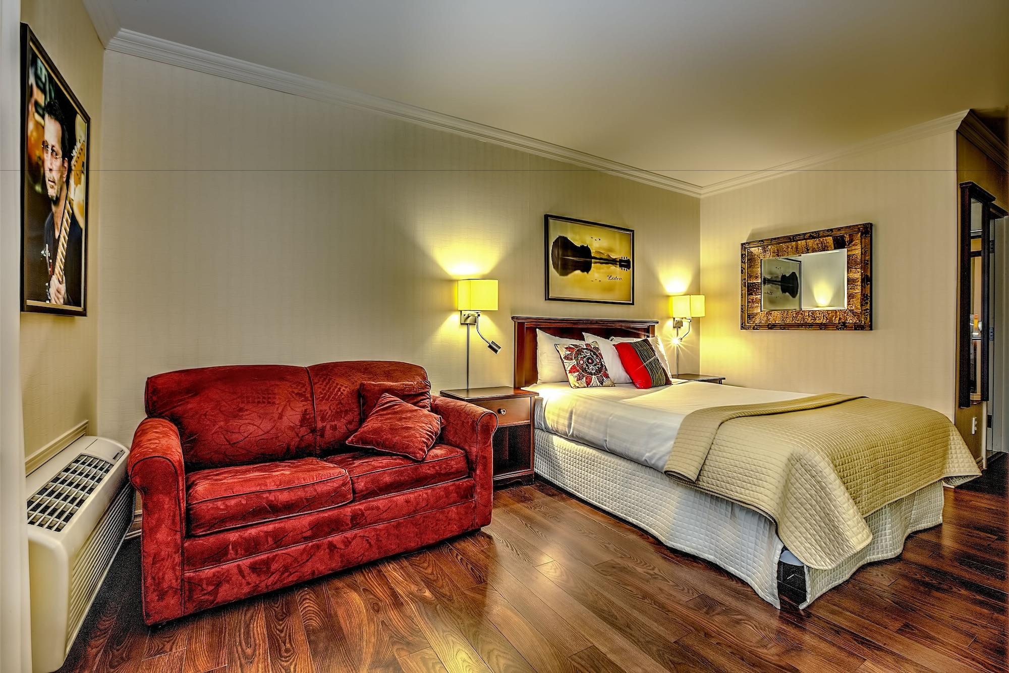 Hotel Kennedy, Desjardins