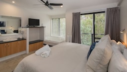 Two Bedroom Two Spa Apartment