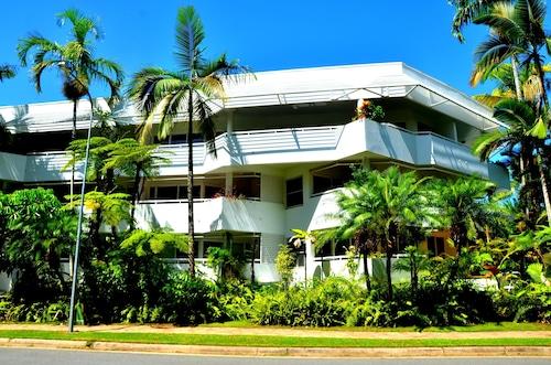 . Beach Terraces- Port Douglas