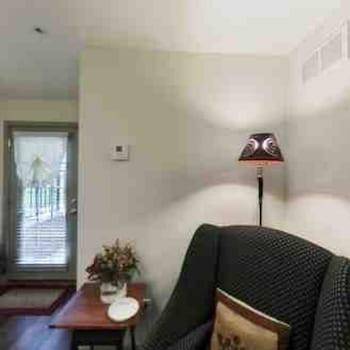 Room (Terrace room)