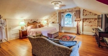 Room (Rose Suite)