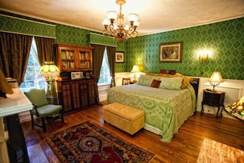 Room (Emerald)