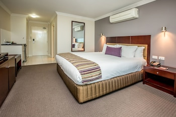 Guestroom at Hotel Gloria in Springwood