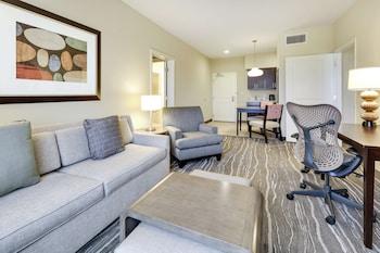 2 bedroom/2 bath suite (KG + QQ)