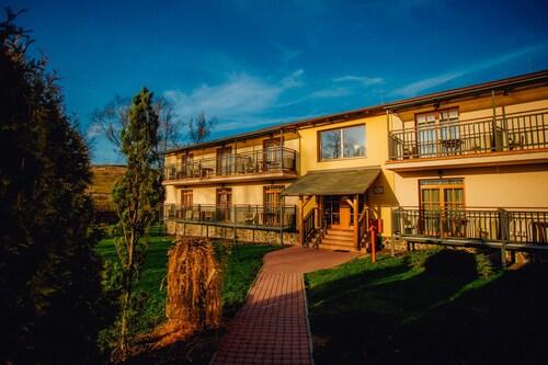 . Sojka Resort - Hotel & Drevenice