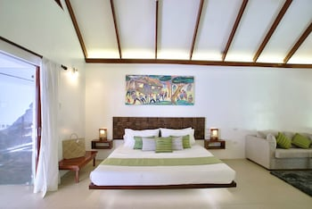 Atmosphere Resorts & Spa Dumaguete Guestroom