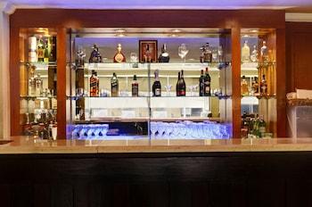 Pearl Garden Hotel Manila Hotel Bar