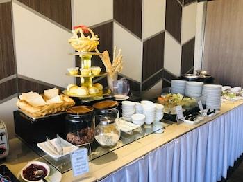 Pearl Garden Hotel Manila Breakfast buffet