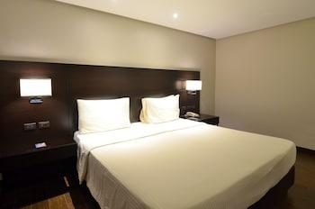 Pearl Garden Hotel Manila Room