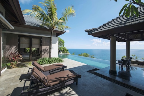 . Jumana Bali Ungasan Resort