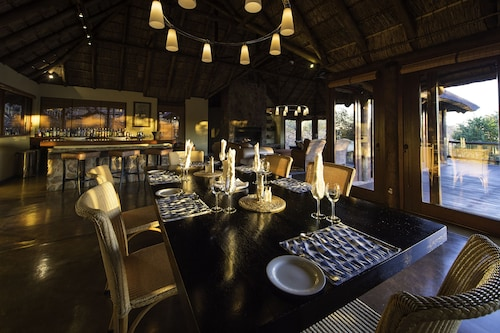 . Tshwene Lodge