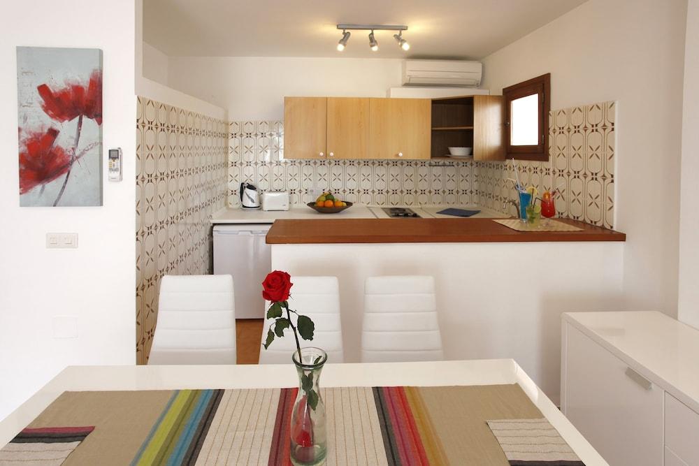 아파르타멘토스 산딕(Apartamentos Sandic) Hotel Image 10 - In-Room Kitchen