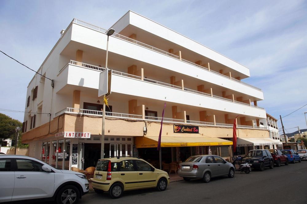 아파르타멘토스 산딕(Apartamentos Sandic) Hotel Image 0 - Featured Image