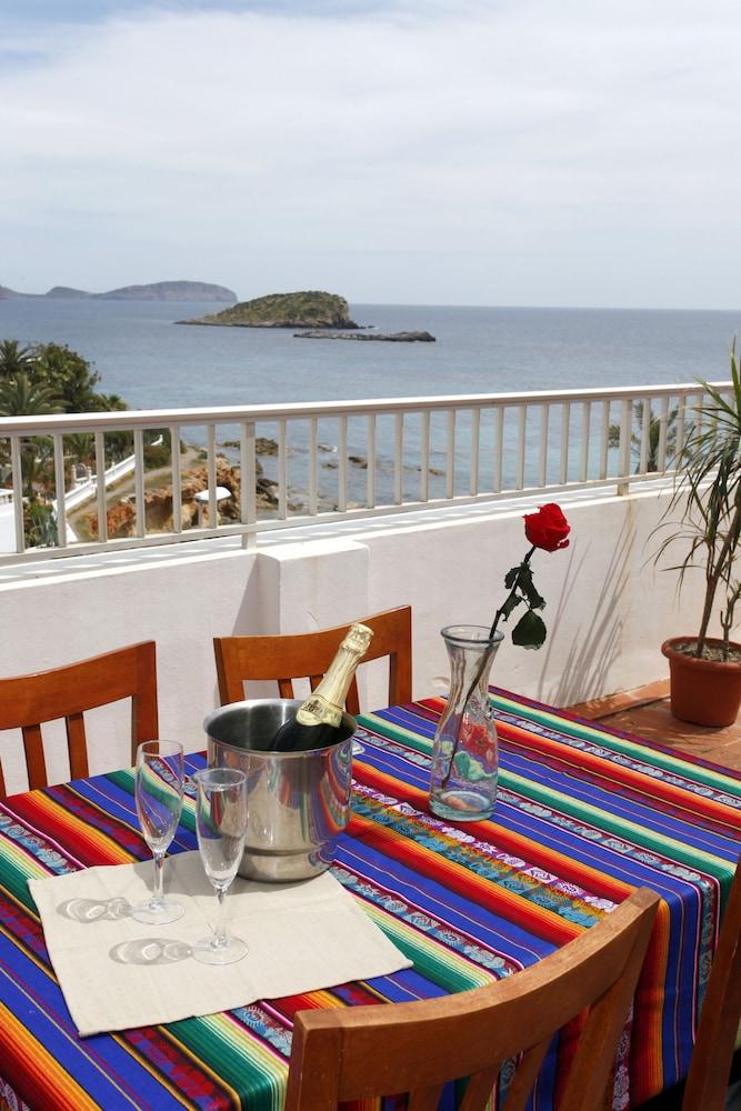 아파르타멘토스 산딕(Apartamentos Sandic) Hotel Image 16 - Balcony