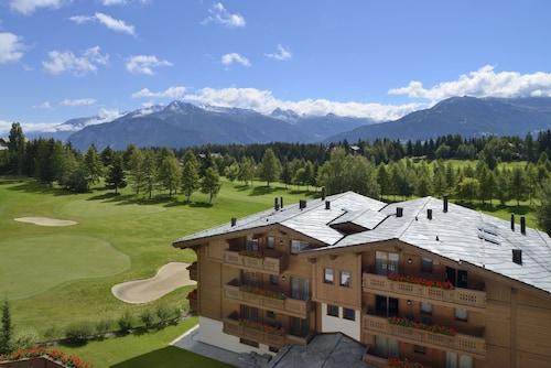 . Guarda Golf Hotel & Residences