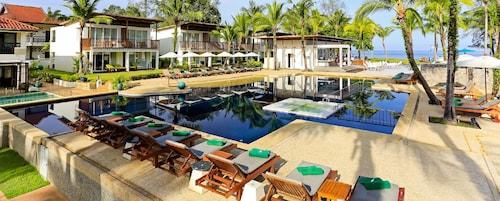 . The Briza Beach Resort Khaolak