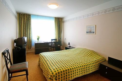 Hotel Dzingel, Tallinn
