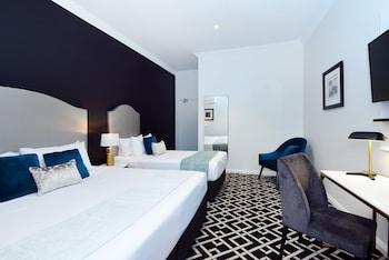 Guestroom at High Cross Park Lodge in Randwick