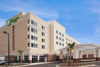 Holiday Inn & Suites Columbia-Airport
