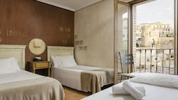 Double Or Twin Room With 2 Extra Beds