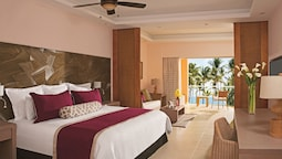 Junior Suite Tropical View King Bed (resort Access To Now Larimar)