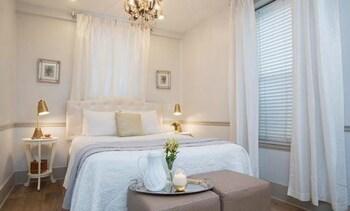 Room (11 Coquina Suite)