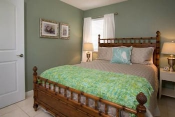 Room (201 Oceanview Cottage at Vilano Beach)