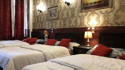 Deluxe Triple Room, 3 Twin Beds, City View