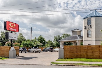 Econo Lodge - near Houston Medical Center-NRG Park
