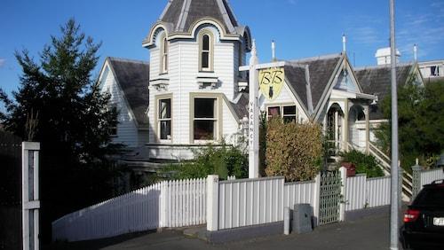 Hulmes Court Bed & Breakfast, Dunedin