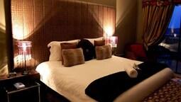 Luxury Room With Shower Queen Bed Rtıd 3