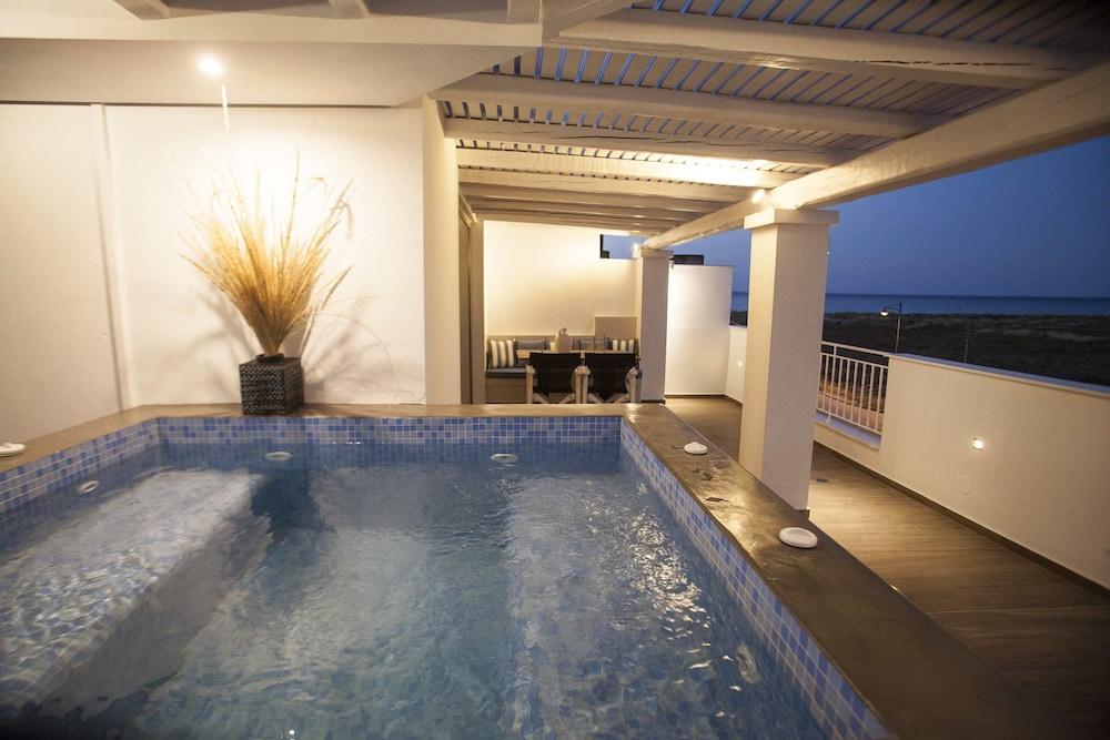 에빌리온 씨 & 썬(Evilion Sea And Sun) Hotel Image 70 - Indoor Spa Tub