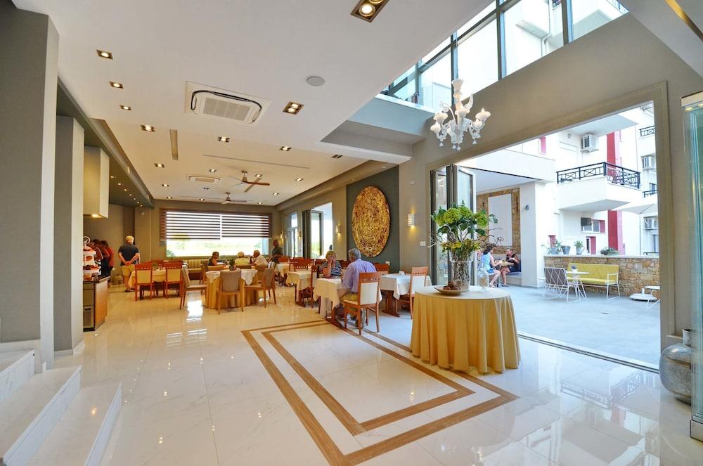 에빌리온 씨 & 썬(Evilion Sea And Sun) Hotel Image 95 - Indoor Wedding