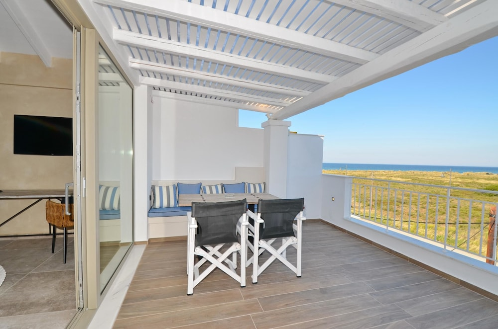 에빌리온 씨 & 썬(Evilion Sea And Sun) Hotel Image 46 - Balcony