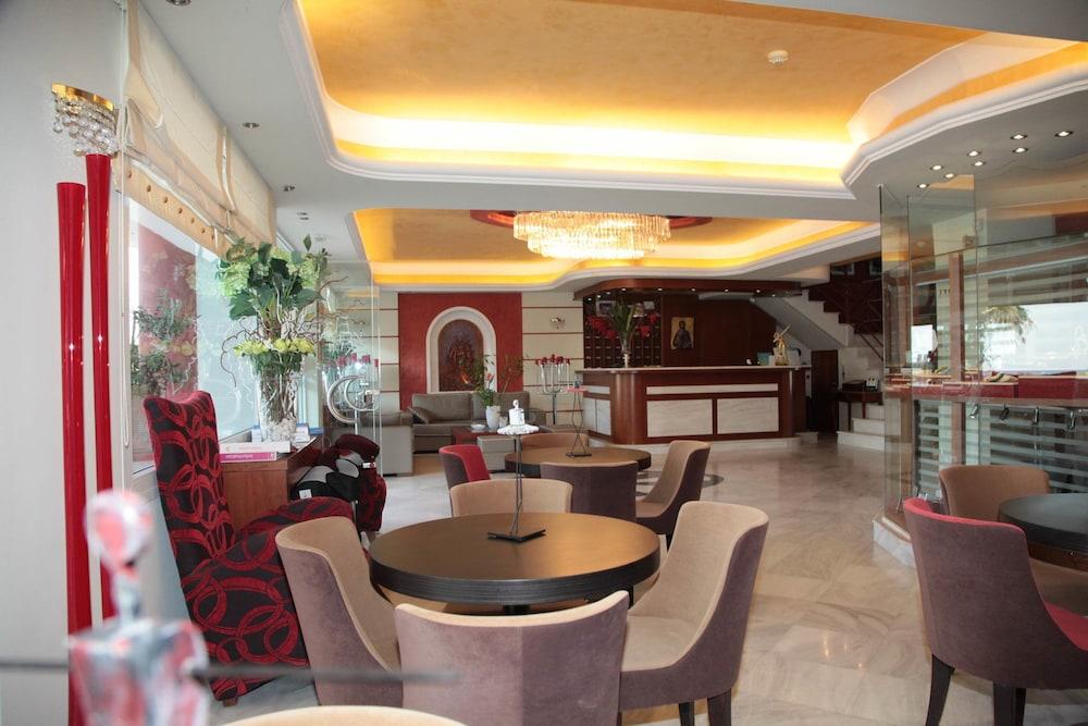 에빌리온 씨 & 썬(Evilion Sea And Sun) Hotel Image 2 - Lobby Sitting Area