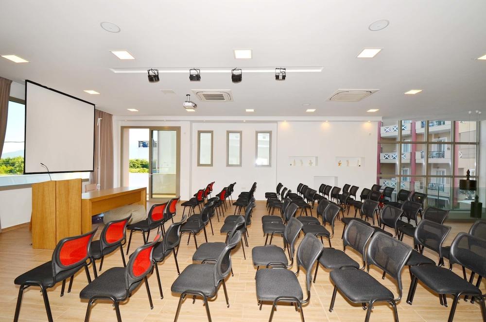 에빌리온 씨 & 썬(Evilion Sea And Sun) Hotel Image 100 - Meeting Facility