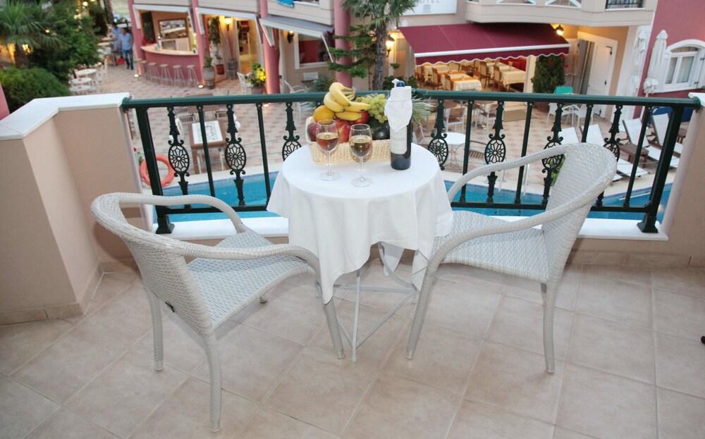 에빌리온 씨 & 썬(Evilion Sea And Sun) Hotel Image 41 - Balcony