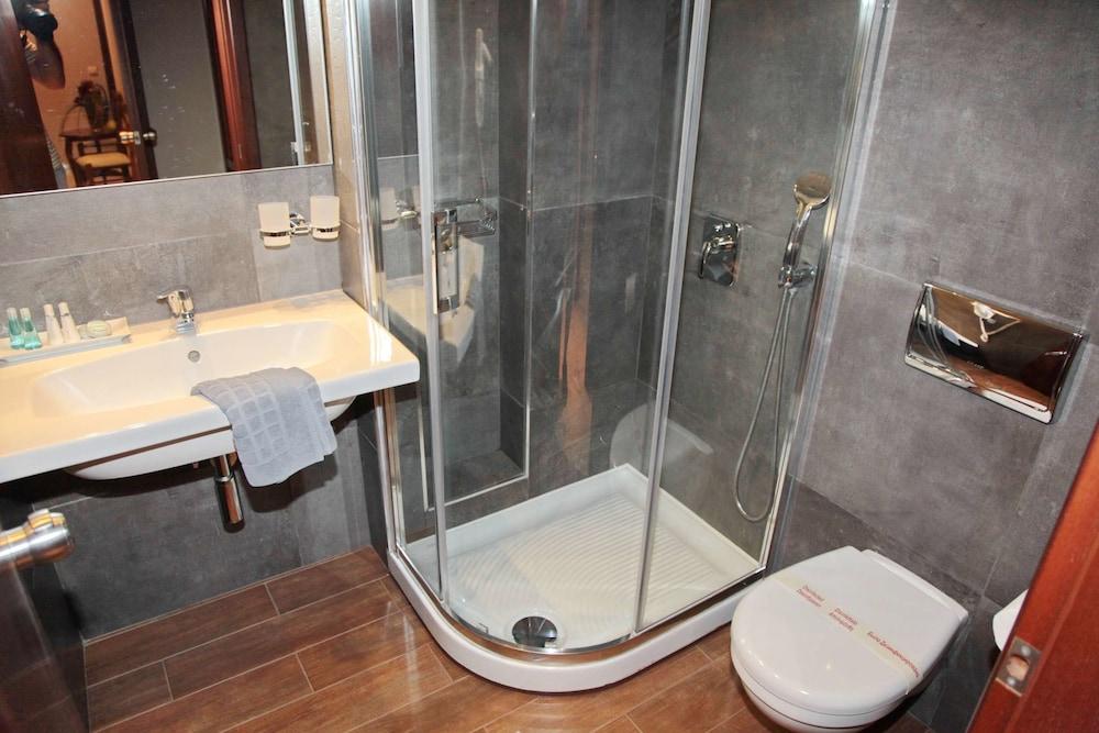 에빌리온 씨 & 썬(Evilion Sea And Sun) Hotel Image 52 - Bathroom