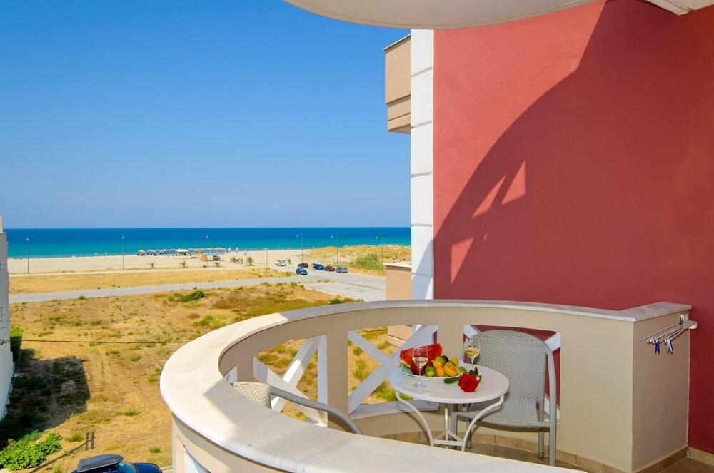 에빌리온 씨 & 썬(Evilion Sea And Sun) Hotel Image 44 - Balcony