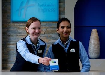 Holiday Inn Express Airport