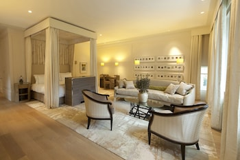 Executive Suite (Mansion)