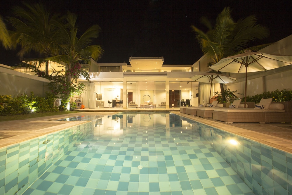 C151 스마트 빌라 드림랜드(C151 Smart Villas Dreamland) Hotel Image 2 - Pool