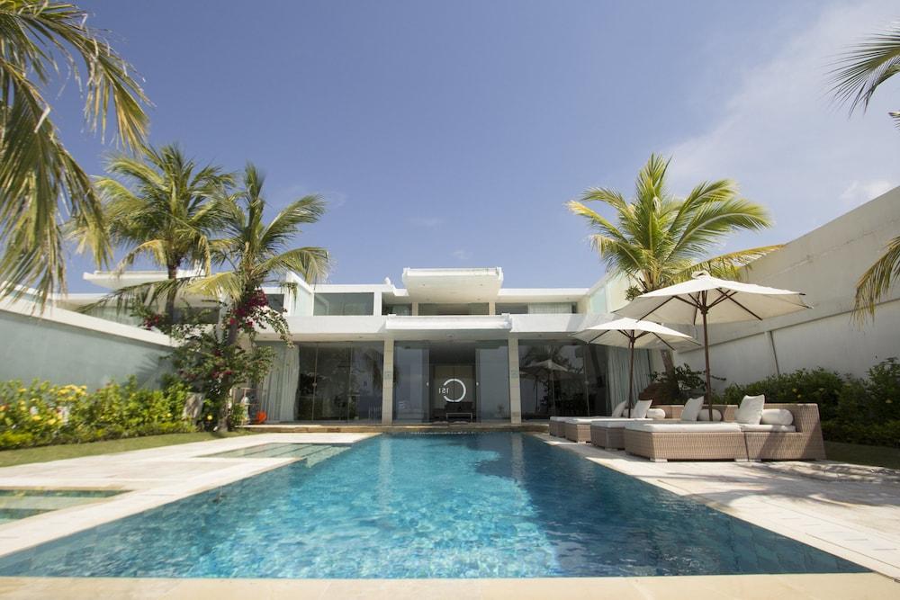 C151 스마트 빌라 드림랜드(C151 Smart Villas Dreamland) Hotel Image 27 - Outdoor Pool