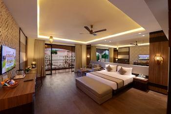 700 sq. ft. Luxury Rio Pool View