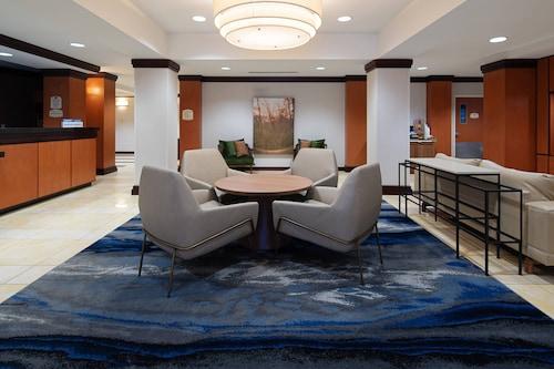 . Fairfield Inn & Suites Seattle Bremerton