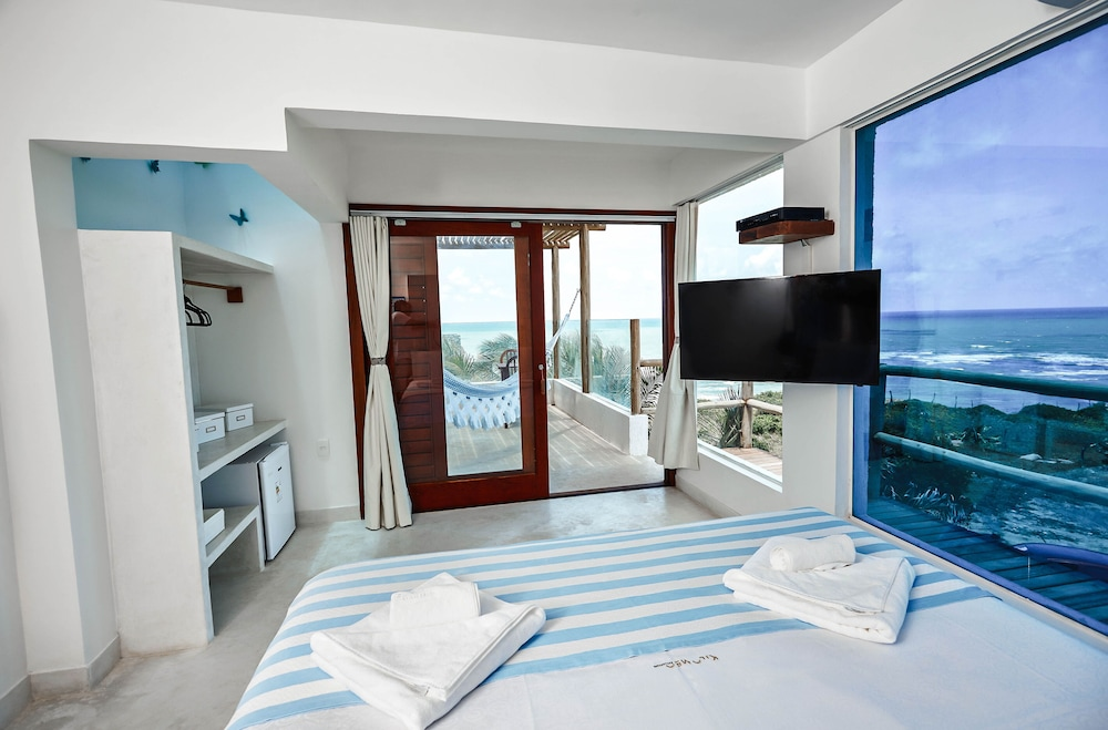 https://i.travelapi.com/hotels/4000000/3280000/3272700/3272642/6dd5f706_z.jpg