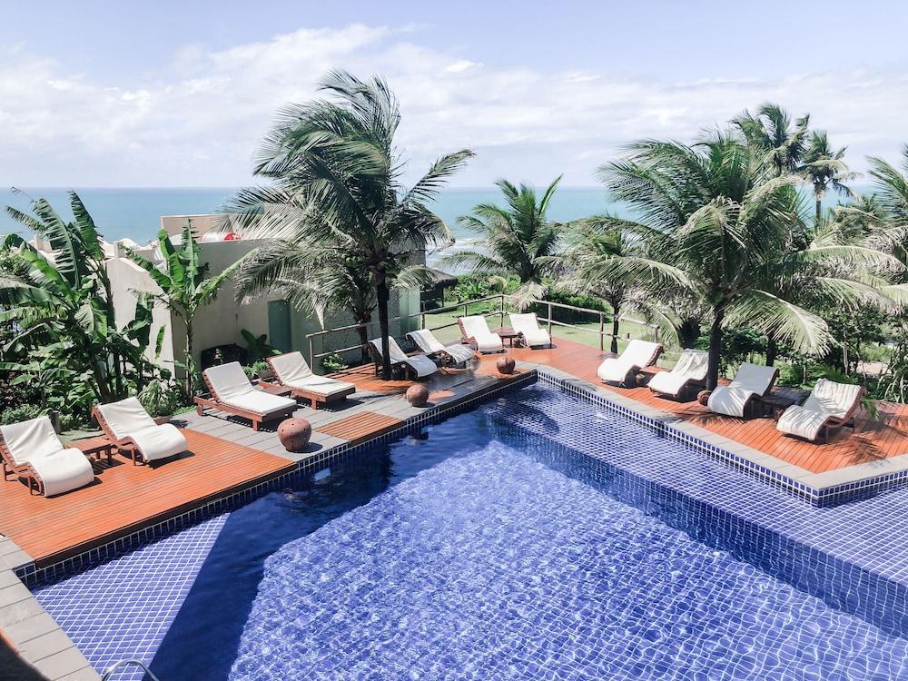 https://i.travelapi.com/hotels/4000000/3280000/3272700/3272642/b9403130_z.jpg