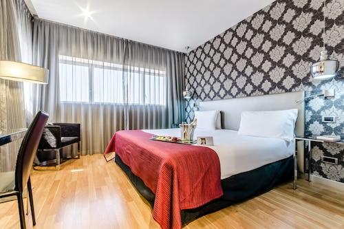 . Eurostars Executive Hotel