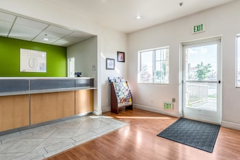 加利福尼亞貝克斯菲爾德 6 號開放式客房飯店 Studio 6 Bakersfield, CA