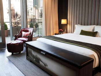Guestroom at Kimpton Hotel Eventi in New York